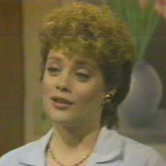 A picture of the character Lynn Carson - Years: 1982, 1983