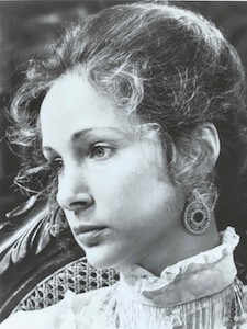 A picture of the character Amy - Years: 1977