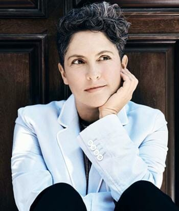 A picture of the actor Jill Soloway