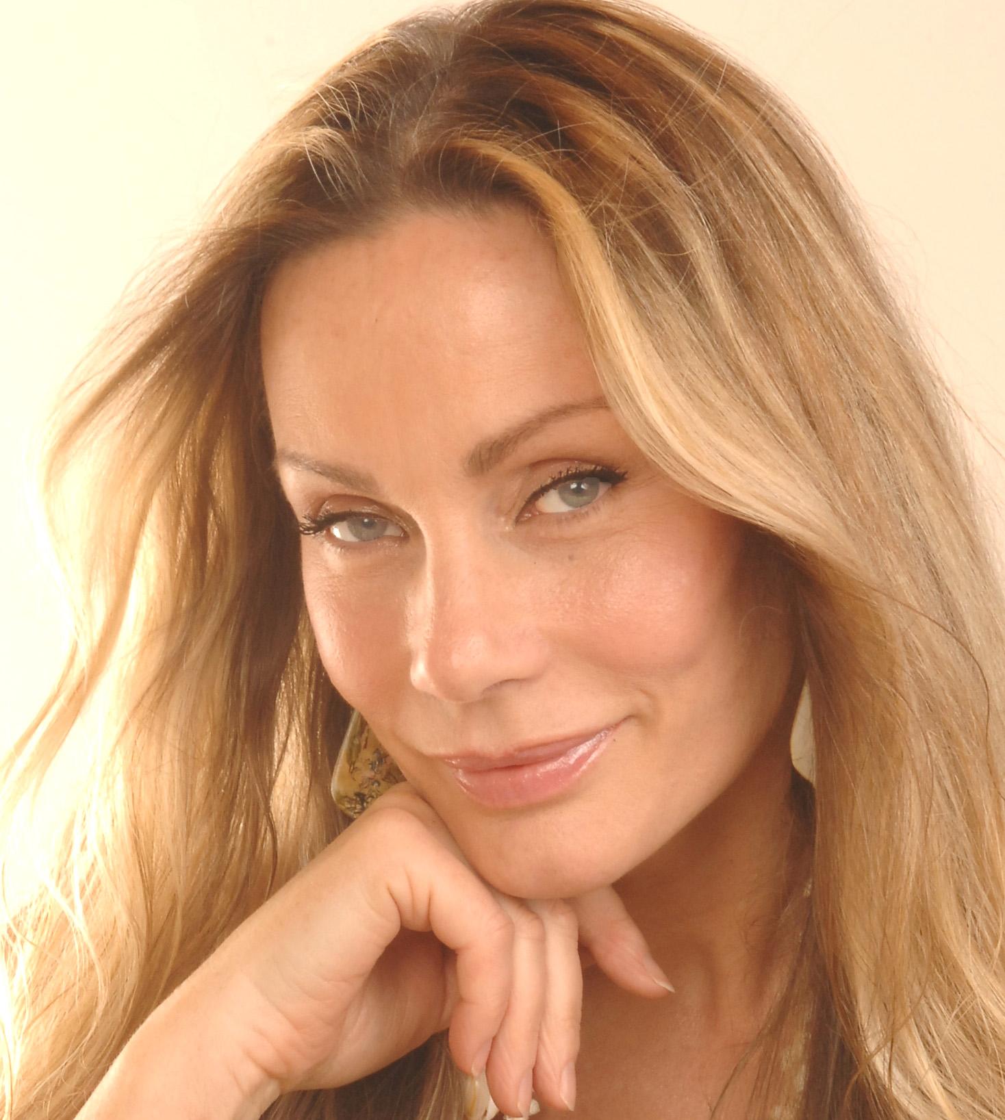 Virginia Hey - Profile Images — The Movie Database (TMDb)
