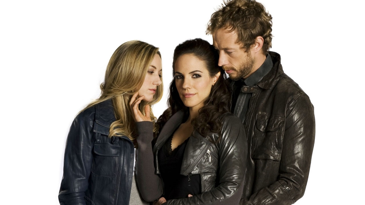 Bisexual Characters - Bo Dennis played by Anna Silk on Lost Girl