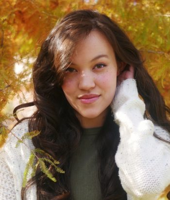 Rhianna DeVries